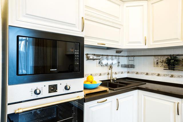 Духовка, плита, посудомоечная машина — и десятки метров проводов внутри стен и перекрытий