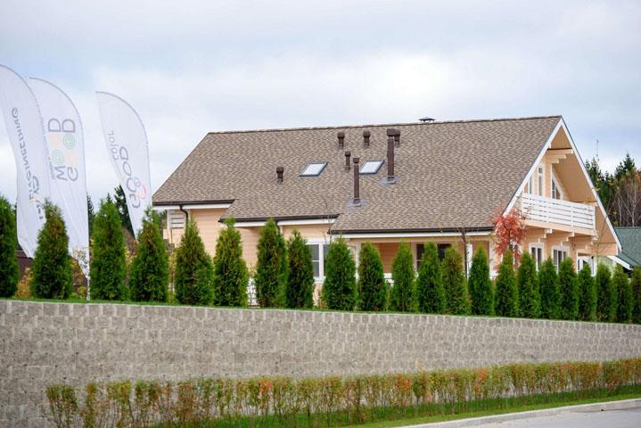 Готовая крыша дома GOOD WOOD